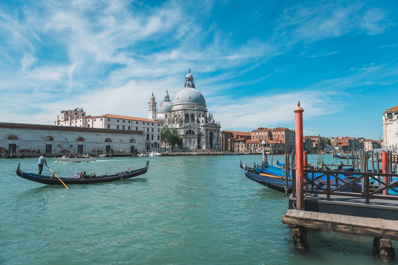 The Grand Canal and the Santa Maria Della Salute Church 4