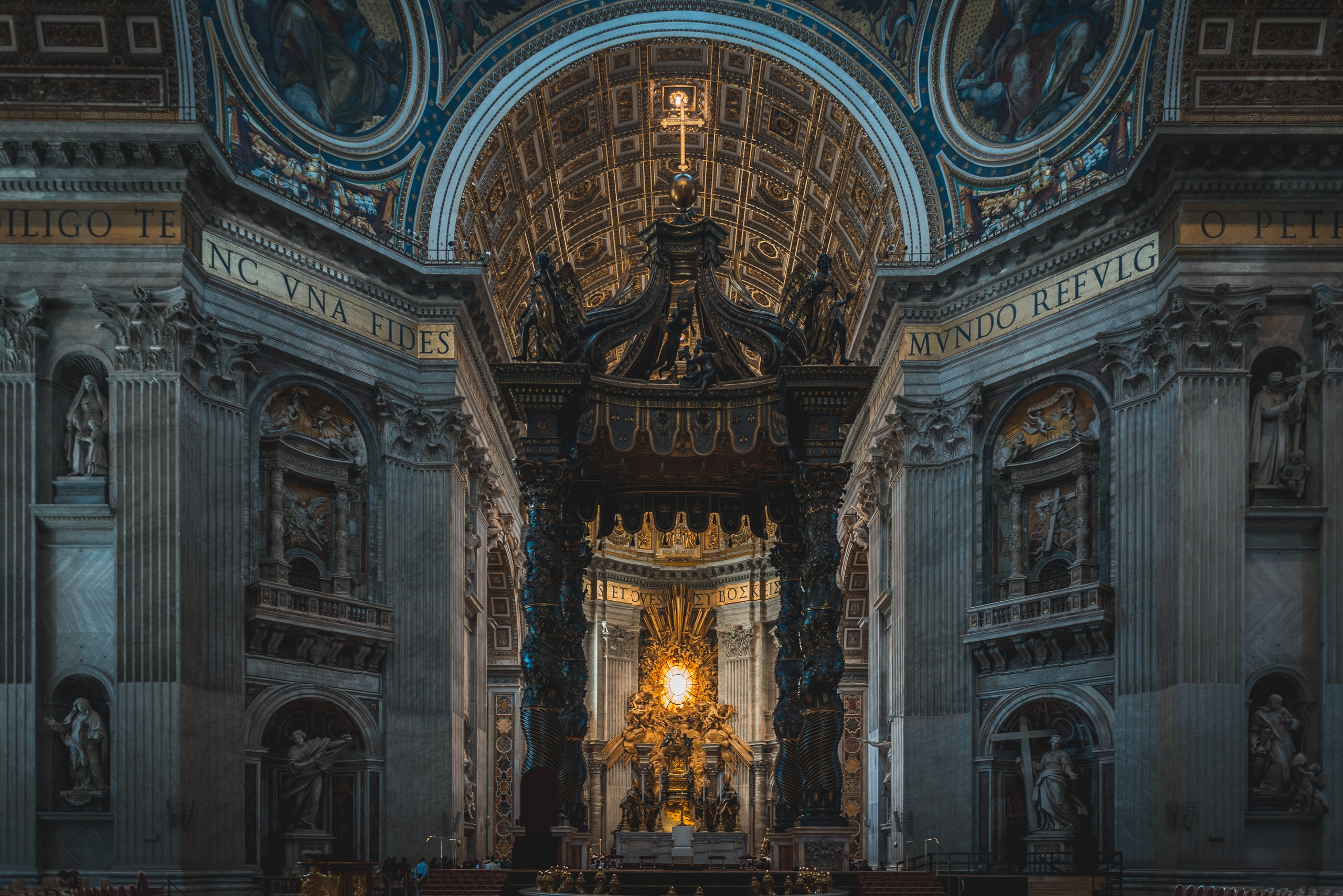 Inside St Peters Basilica 4