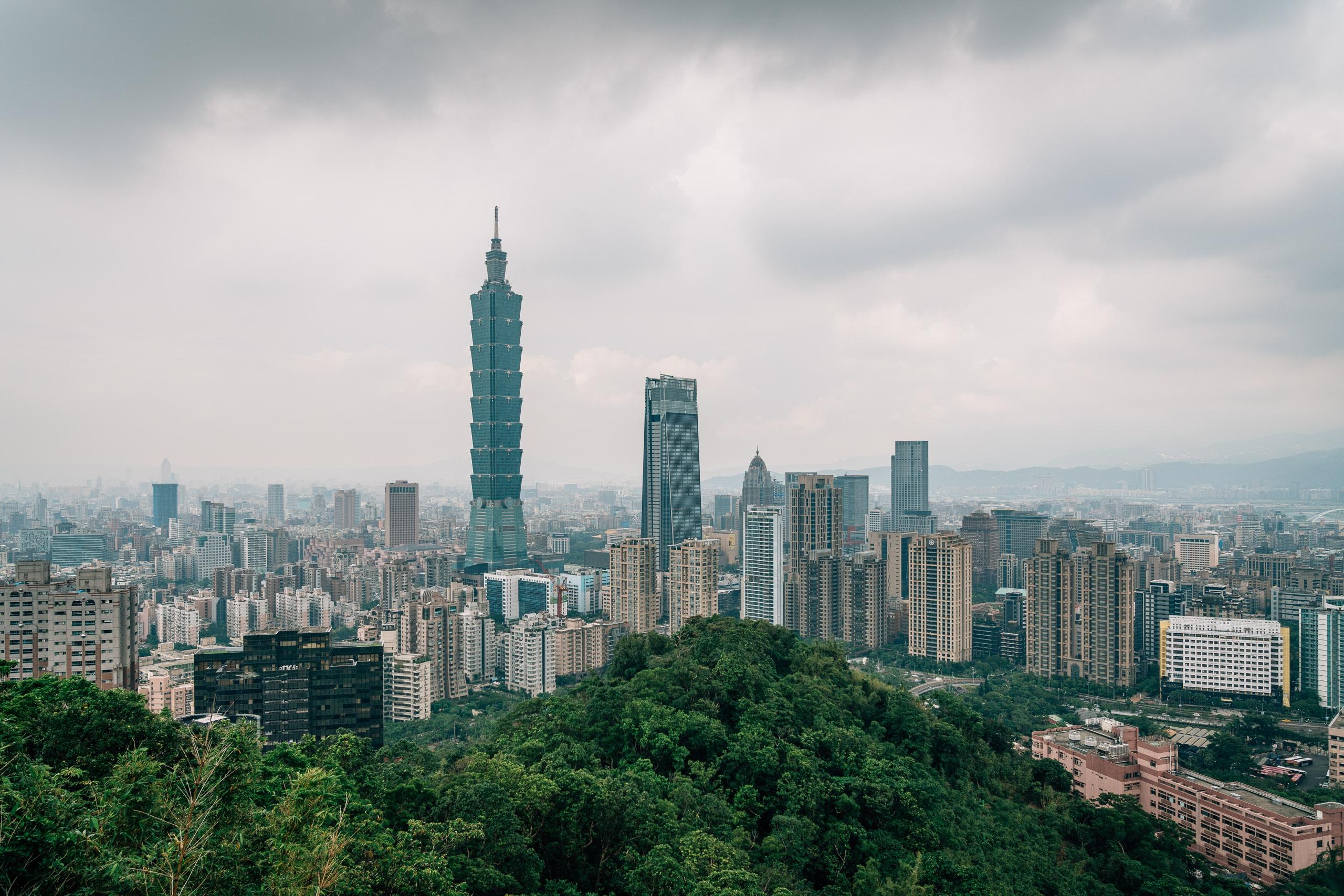 Overlooking Taipei 101 2