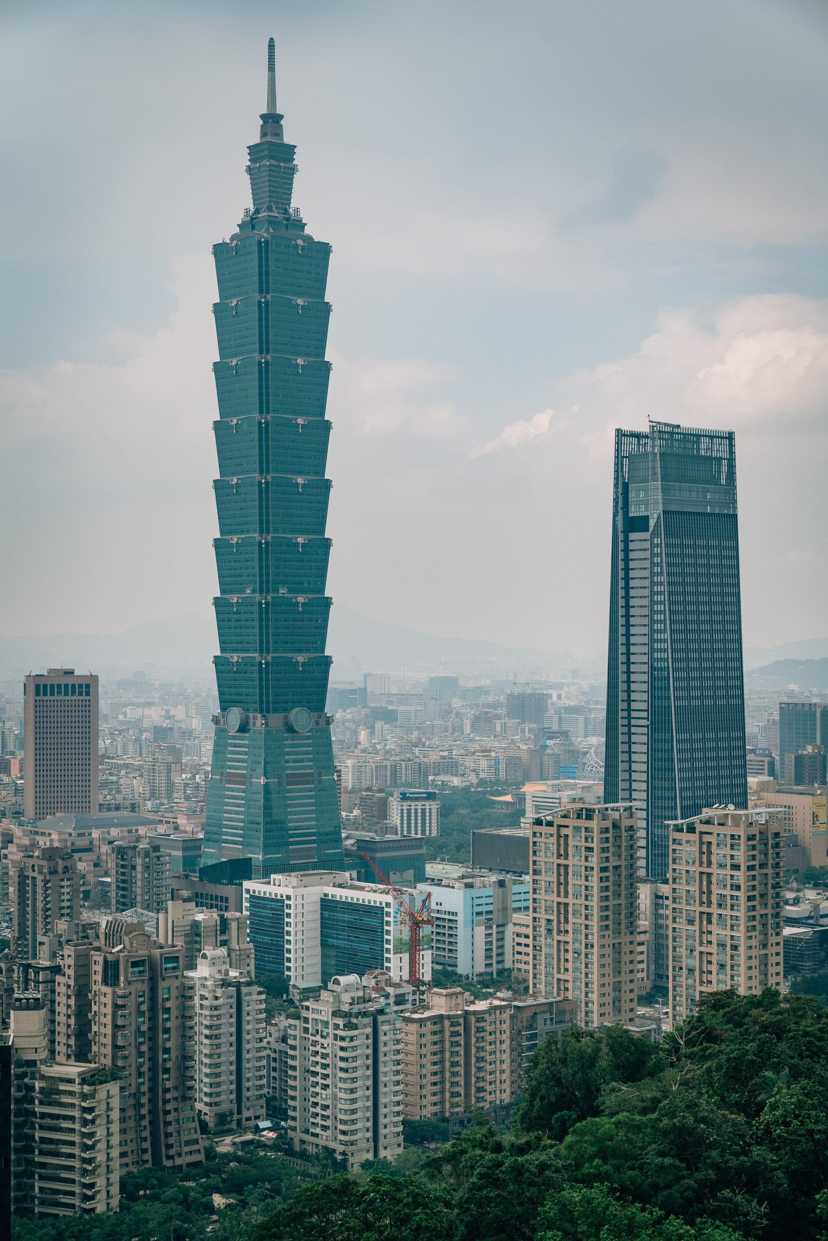 Overlooking Taipei 101 3